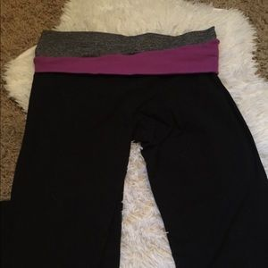 { Lululemon } Size 12 Black Pants
